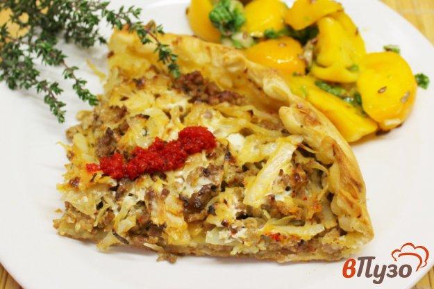 фото рецепта: Слоеный пирог с мясным фаршем и капустой