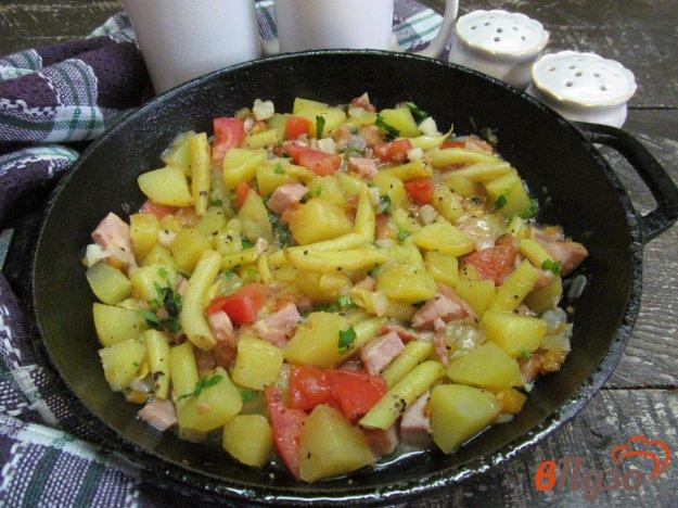 фото рецепта: Тушеный картофель с овощами на беконе
