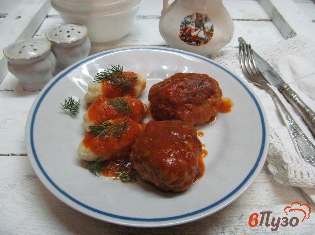 фото рецепта: Котлеты с булгуром в томатном соусе