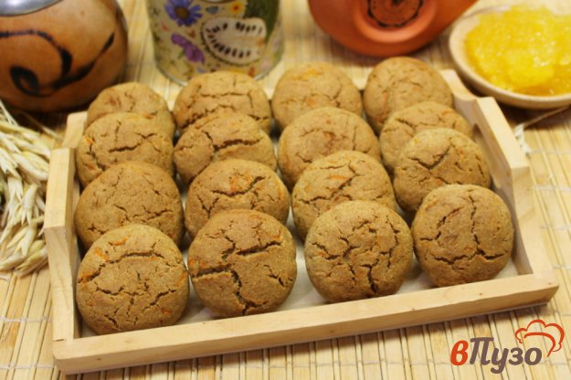 фото рецепта: Ржаное печенье с морковкой и медом