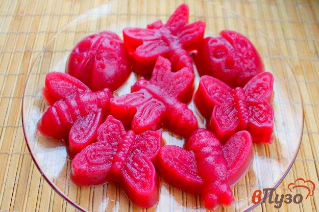 фото рецепта: Желе в формочках из замороженной малины