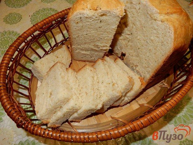 фото рецепта: Французский хлеб с чесноком и зеленью