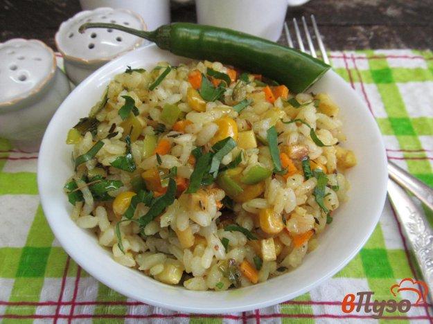 фото рецепта: Рис с сельдереем и кукурузой