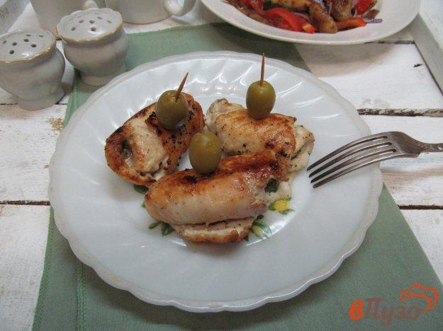 фото рецепта: Куриные рулеты с начинкой из яблока и сыра