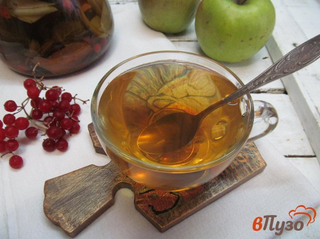 фото рецепта: Напиток из ягод годжи с шалфеем и сухой грушей