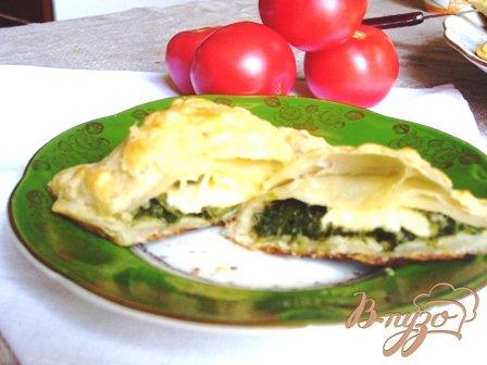 фото рецепта: Слоеные пирожки со шпинатом