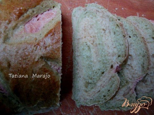 фото рецепта: Хлеб со шпинатом и свеклой
