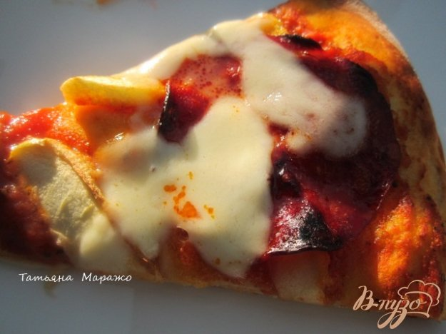 Рецепт Пицца с чоризо , яблоком и моцареллой