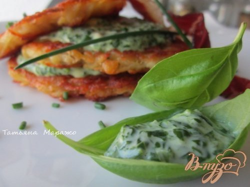 Рецепт Картофельные оладьи со шпинатово-сырным соусом