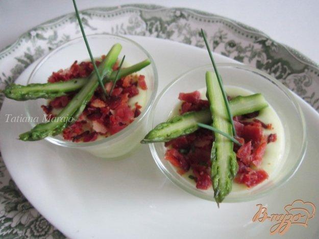 Рецепт Панна котта из зеленой спаржи и чипсами из бекона