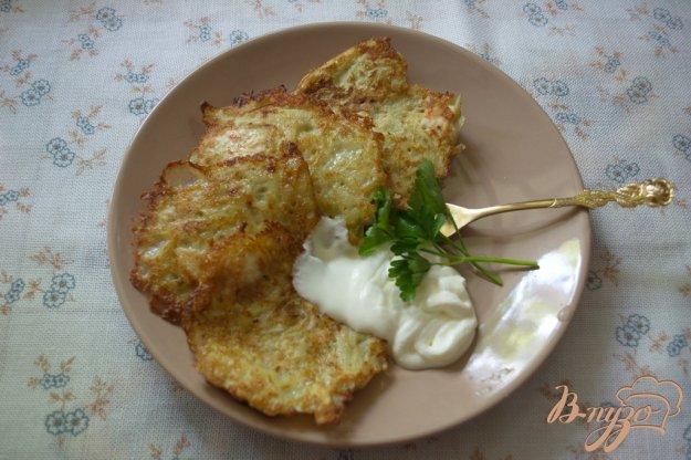 фото рецепта: Драники из молодой картошки с рубленной курицей