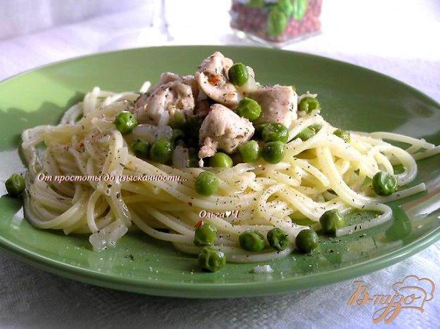 Рецепт Спагетти с курицей, зеленым горошком и итальянскими травами