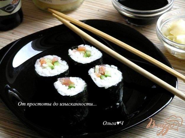Рецепт Роллы с лососем и огурцом