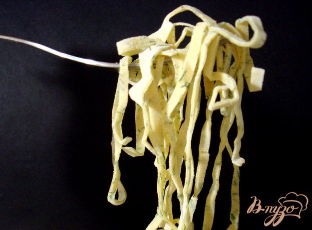 фото рецепта: Бульон с домашней лапшой