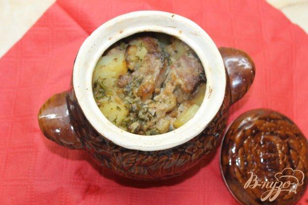фото рецепта: Картофель со свининой запеченный в горшочке