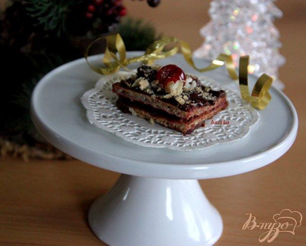фото рецепта: Шоколадно-вафельные конфеты с черносмородиновым желе
