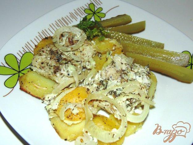 фото рецепта: Хек запеченный в сметане с картофелем