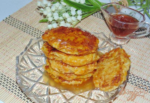 фото рецепта: Оладьи с яблоком и тыквой