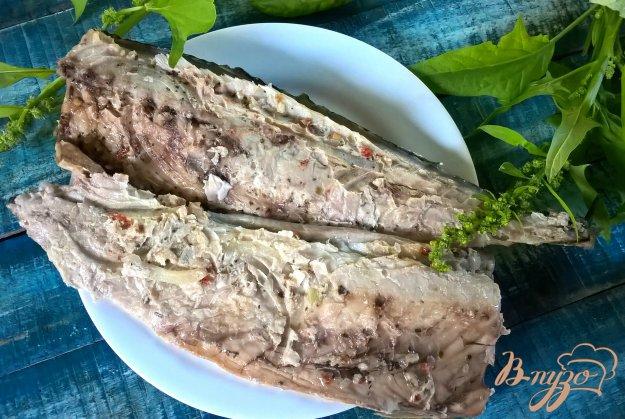 фото рецепта: Скумбрия с луком на мангале