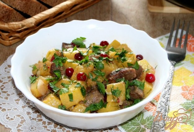 фото рецепта: Жаркое из говядины и тыквы с клюквой